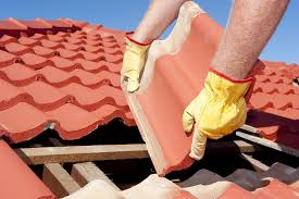 DIY (Do It Yourself) vs  Roofing Contractors – San Antonio